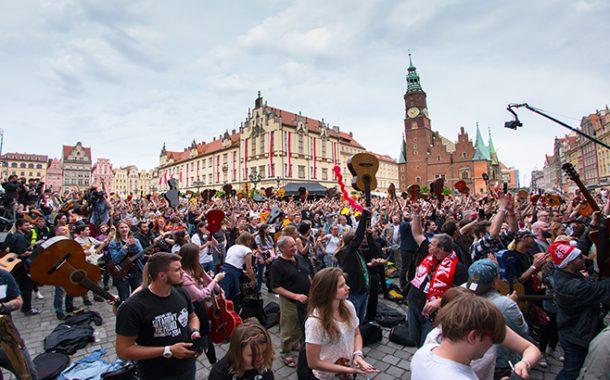 Gitarowy Rekord Guinnessa | Święto gitarzystów na wrocławskim Rynku