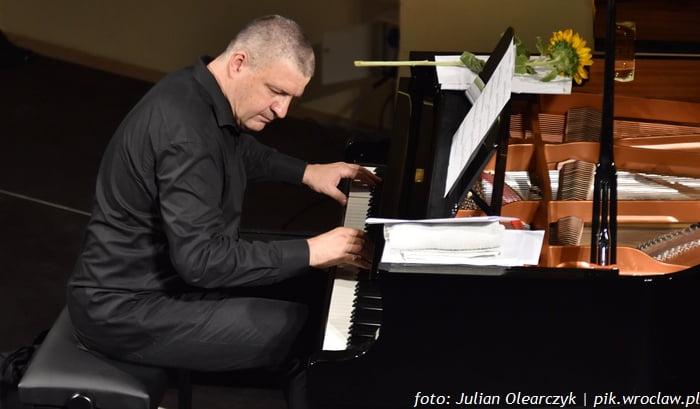 Kuba Stankiewicz na fortepianie solo | Lato w Synagodze pod Białym Bocianem