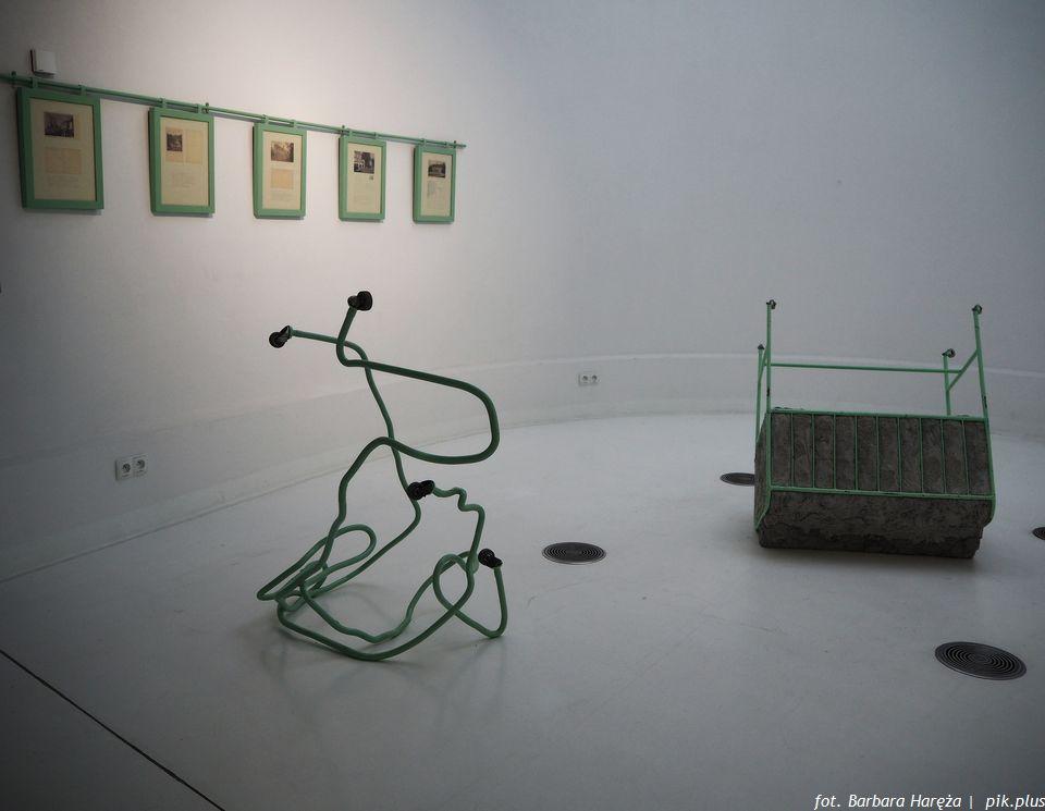 Instalacja Doroty Nieznalskiej wzbogaciła kolekcję stałą Pawilonu Czterech Kopuł.