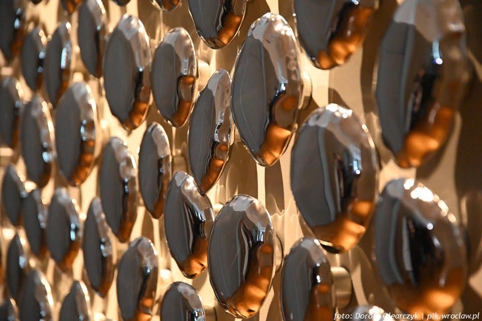 Deformacja odbicia - odbicia deformacji - Oskar Zięta | wystawa w Pałacu Królewskim