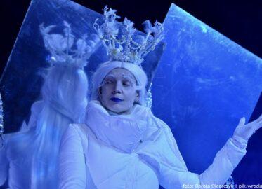 """""""Królowa. Baśń podwórkowa"""", czyli Andersen w pantomimie"""
