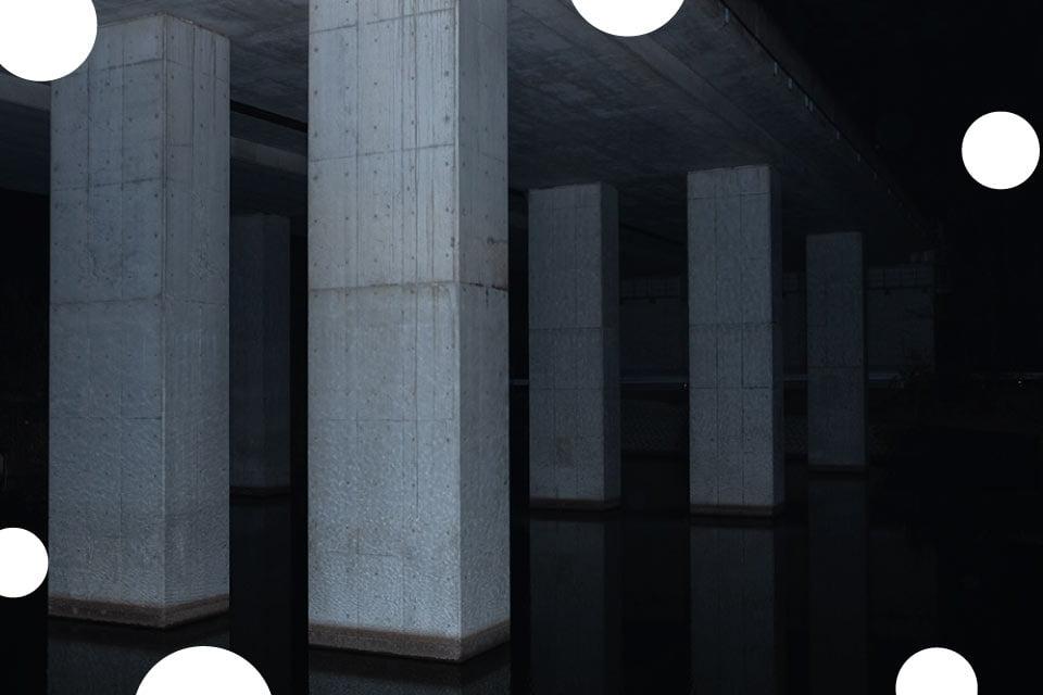 Wyznaczony obszar ewakuacji | wystawa Bartosza Hołoszkiewicza